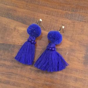 Jewelry - Blue pompon beaded tassel earring